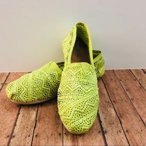Toms Crochet Classic Slip-ons